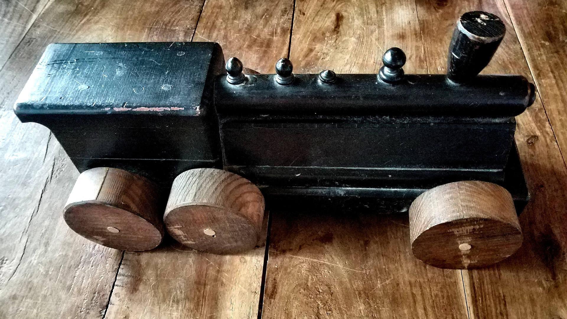 steampunk.cz dřevěná lokomotiva interiér